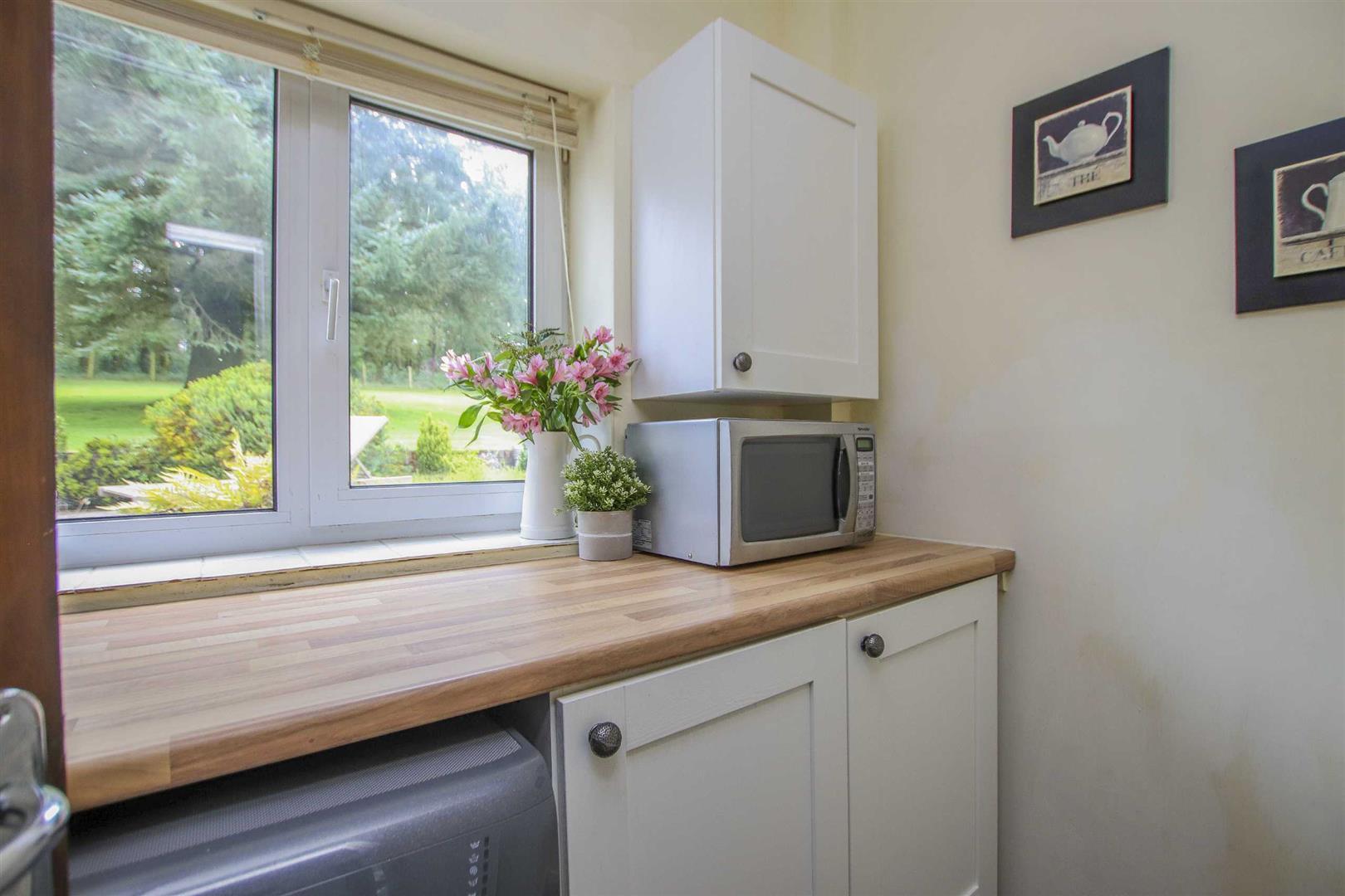 4 Bedroom Semi Detached Cottage For Sale - Image 34